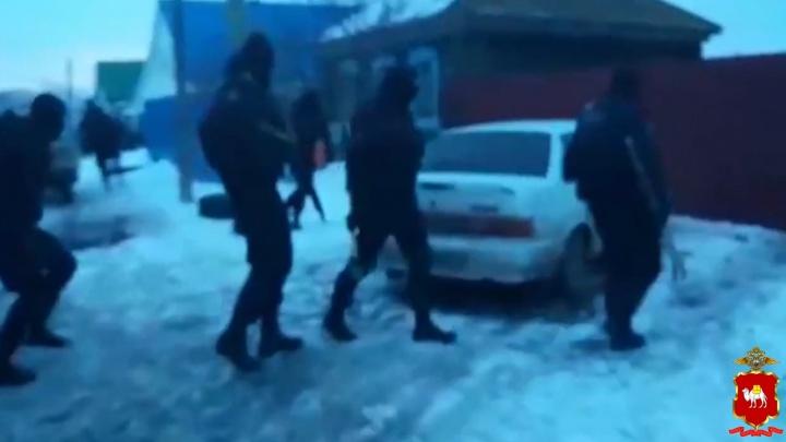 Устраивали автоподставы: полиция закончила работу над делом южноуральцев о крупном обмане страховых