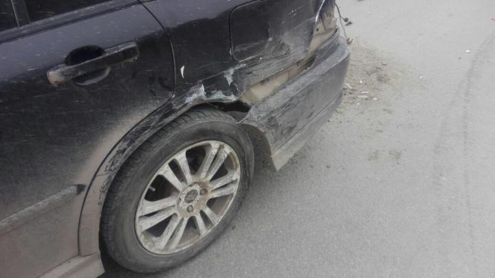 В Новосибирске угонщик автомобиля «Лада Гранта» устроил сразу четыре ДТП