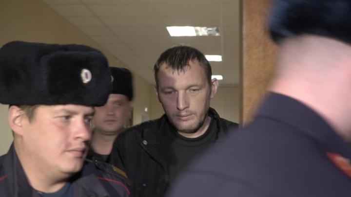 Сбившему детей на улице Горького водителю продлили арест