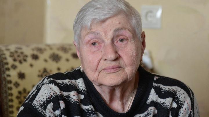 «Успели даже прописаться»: в Волгограде проданную вместе с квартирой 84-летнюю бабушку защитил суд