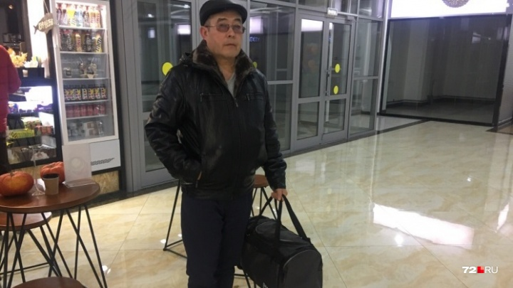 «Завтра увижу сына»: отец солдата, расстрелявшего сослуживцев, приехал в Забайкалье