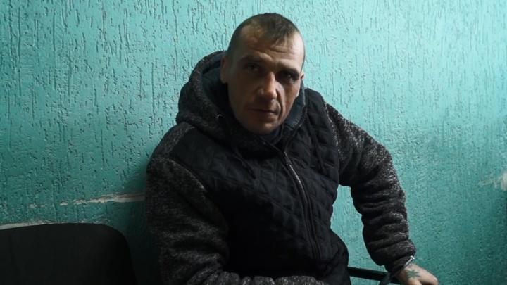 Водитель хлебозавода в Волгограде напал с ножом на продавца в магазине: публикуем видео