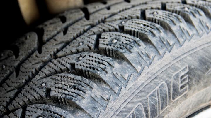 Пермских автомобилистов попросили сменить летнюю резину на зимнюю