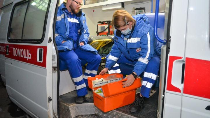 В скорой помощи рассказали, какую зарплату получают врачи и фельдшеры в Екатеринбурге