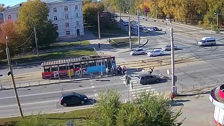 В Челябинске водитель «Богдана» на пешеходном переходе сбил пенсионера