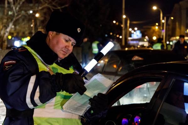 Злоумышленника задержали на дороге сотрудники ДПС вместе со следователями