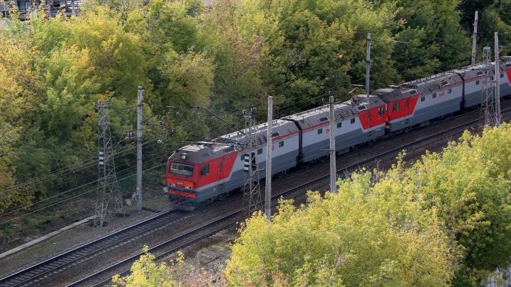 Не реагировал на сигналы: в Стерлитамаке местный житель попал под поезд