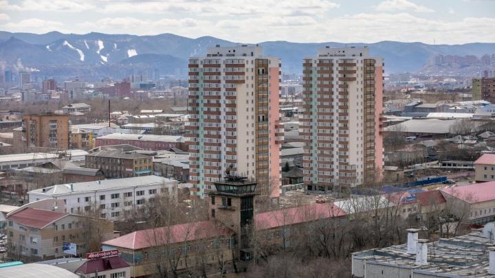 Запаздывающие дома на Полярной обещают сдать к 1 декабря. Дольщики говорят о некачественном ремонте