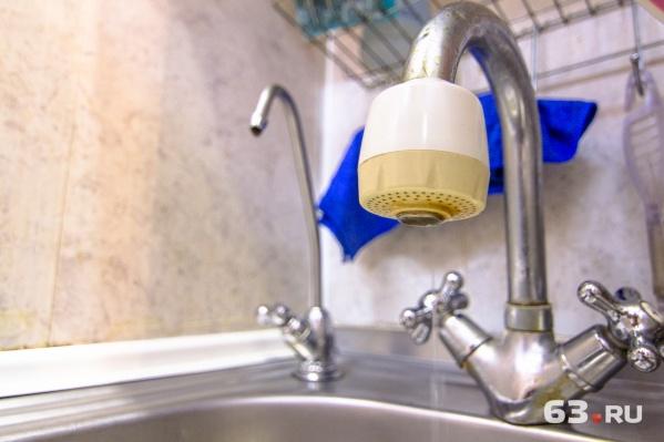 Сотрудники коммунальных служб напоминают, что вода не бесплатная