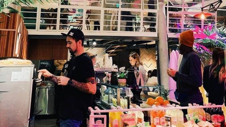 В Екатеринбурге откроется кофейня-коворкинг с досками для сёрфа