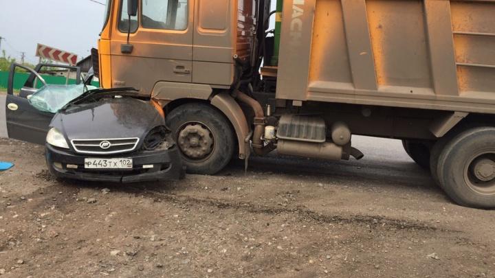 В ДТП под Уфой погибли два человека
