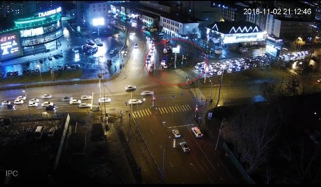 В Тюмени у ТЦ «Вояж» иномарка выехала на тротуар и сбила семь пешеходов