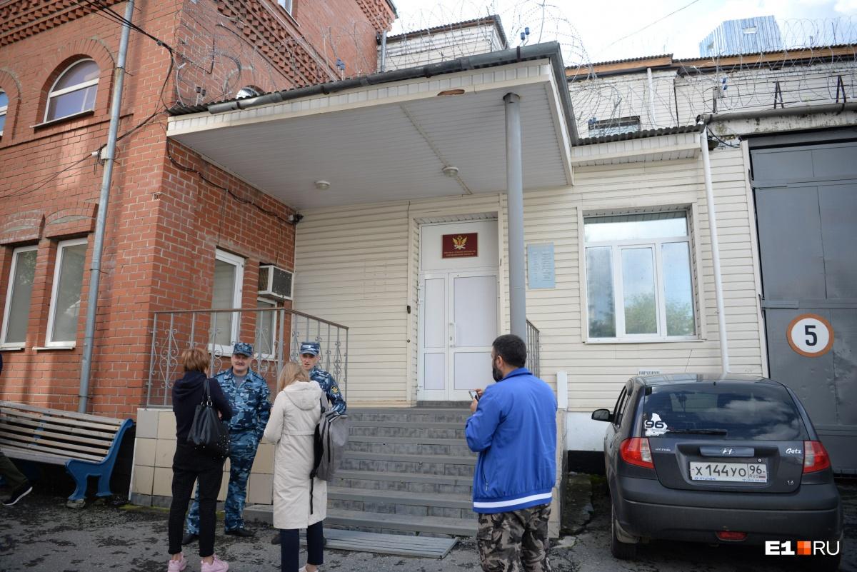 Провокация или беспредел? Вся информация о бунте в колонии в центре Екатеринбурга