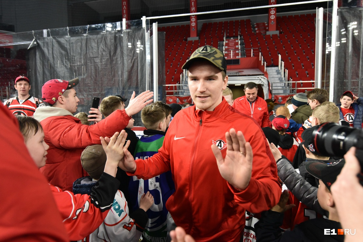 Екатеринбург попрощался с хоккеем: фоторепортаж E1.RU c закрытия сезона в «Уральце»