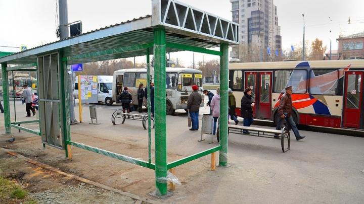 На Родительский день в Челябинске запустят дополнительный транспорт до кладбищ