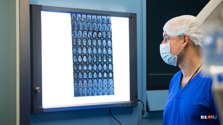 Главный нейрохирург Екатеринбурга — о детских инсультах и операциях, за которыми следит вся страна