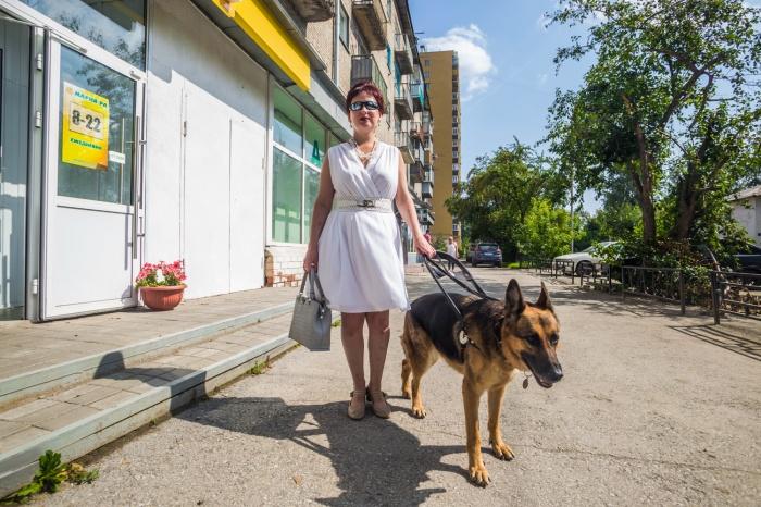 По улицам на ощупь: эксперимент НГС (фоторепортаж)