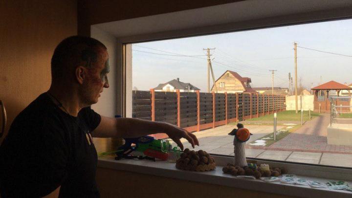 Пистолет, моча и пряники: в Чернигове открылся музей Древарха Просветленного
