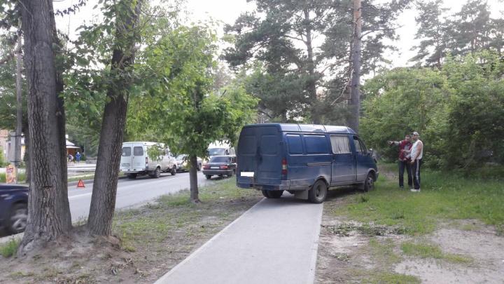 «ГАЗель» протаранила маршрутное такси в Академгородке