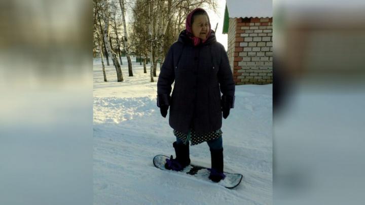 Бабушка шести внуков из Башкирии освоила сноуборд
