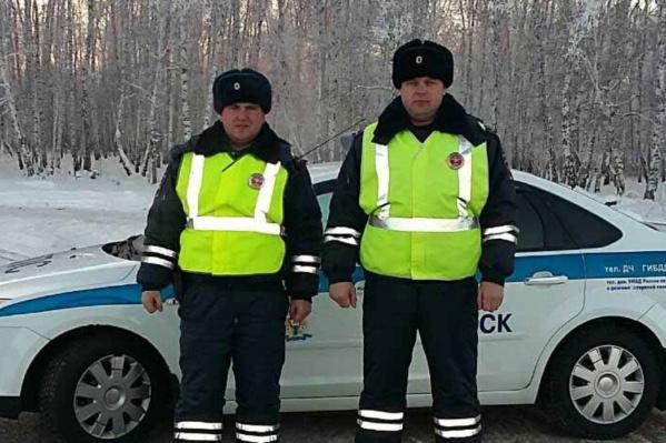 Капитан полиции Роман Мозылев и старший лейтенант полиции Владимир Самбрат уже становились героями публикации NGS55.RU