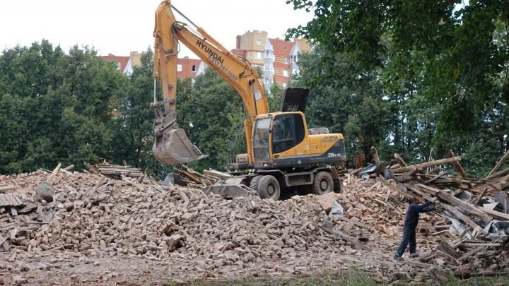 Вместо студентов — экскаваторщики: что появится на месте бывшего института, который снесли в Уфе