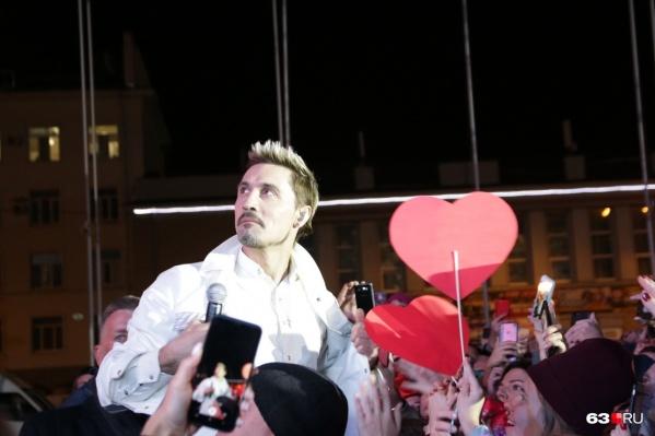 Дима Билан признался, что на Дне города в Самаре был пьян, и дал покаянный концерт