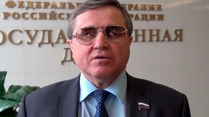 Две квартиры и ВАЗ: изучаем доходы депутатов Госдумы от Омской области