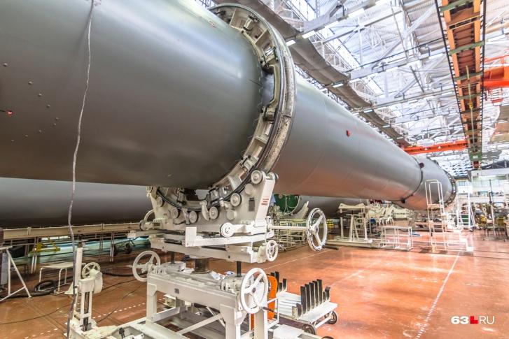 Вторая ступень ракеты-носителя «Союз» — преемницы королёвской Р-7 — в цеху РКЦ «Прогресс»