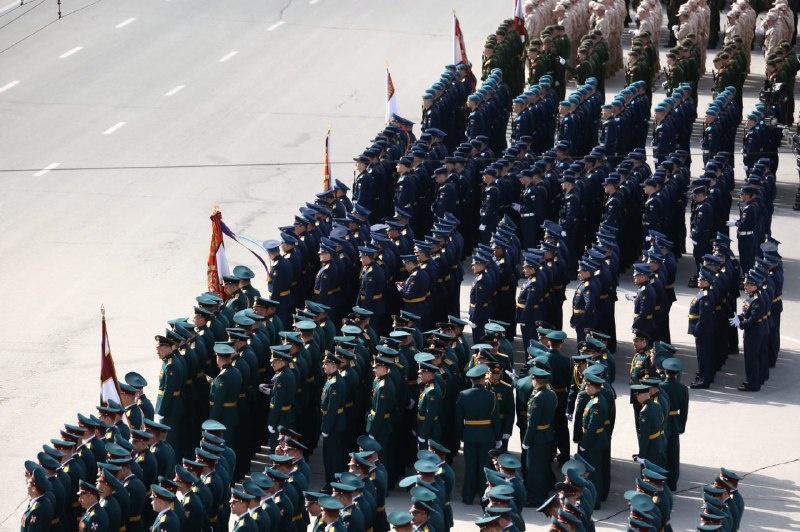 На площади Ленина начался Парад Победы