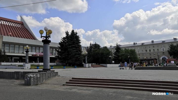 В тапочках у музтеатра: 6 квартир по соседству с омскими достопримечательностями