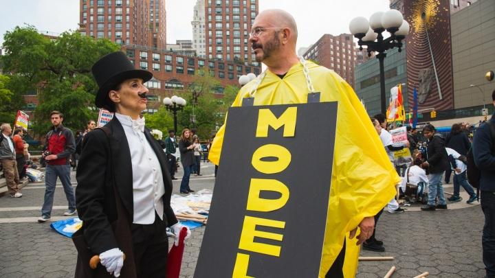 Против корпораций и влияния Америки: какие лозунги звучат в День труда в разных странах мира