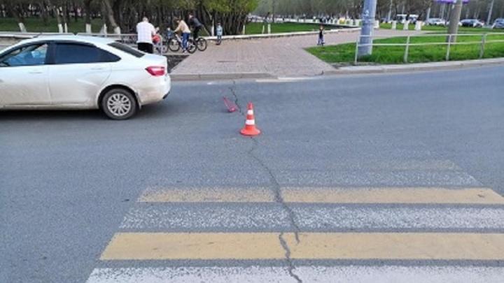 У парка Гагарина водитель «Весты» сбил подростка на «зебре»