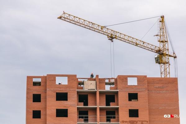 «Юниверс-Строй» должен доделать объекты дольщиков и построить свой дом