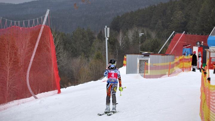 «Спорткомплекс ни при чём»: за гибель 14-летней горнолыжницы на Банном ответит её тренер