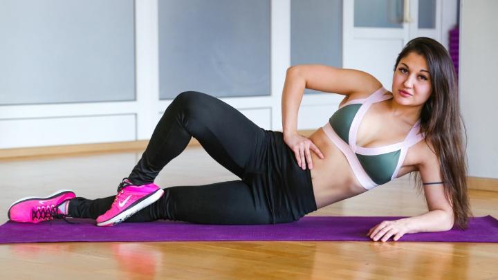 Пять эффективных упражнений против предательского галифе: тренируемся вместе с экспертом по фитнесу