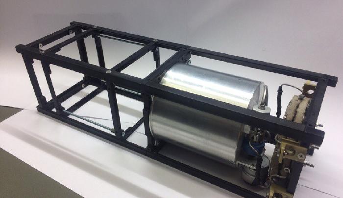 Работает на водке: в Самаре ученые представили новый двигатель для наноспутника