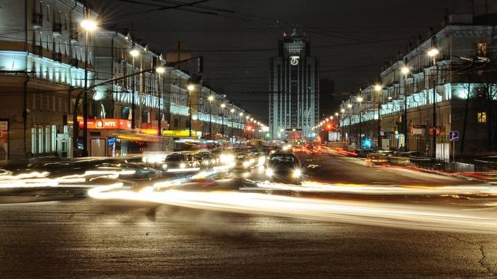 В Екатеринбурге 234 дома остались без фонарей во дворах