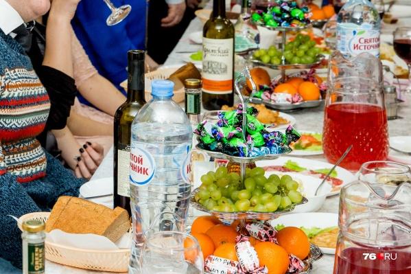 Диетологи советуют пересмотреть выбор блюд для новогоднего стола