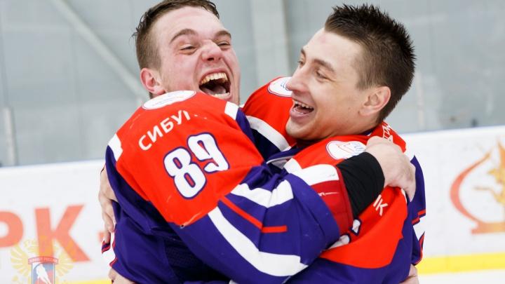 Новосибирские студенты стали двукратными чемпионами всероссийской Студенческой хоккейной лиги