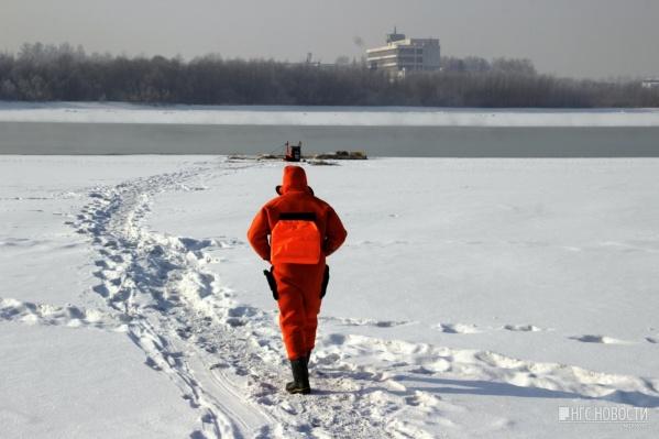 Так полынья выглядела 9 февраля, когда её обследовали водолазы