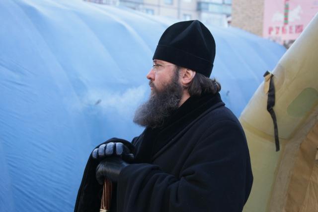 Епископ Магнитогорский и Верхнеуральский Иннокентий второй день дежурит на месте трагедии