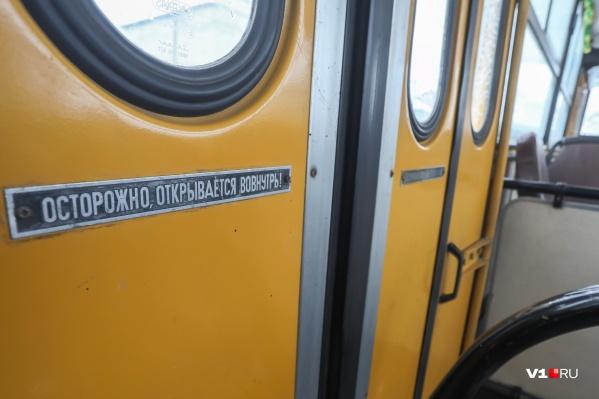 На парад в Санкт-Петербург Желтого зовут уже третий год подряд
