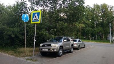 «Город задыхается»: комментаторы NGS55.RU о парковках и «благоустройстве»