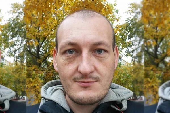 Владимир ушел из дома в Азове 29 декабря