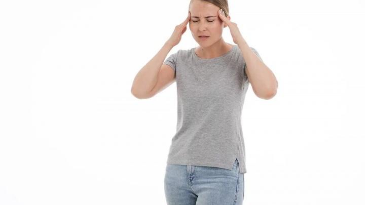 Голова болит не только из-за погоды: узнали, какая нужна диагностика головного мозга