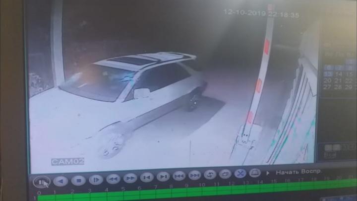 Водитель насмерть сбил мужчину и скрылся с места происшествия в Дзержинском районе