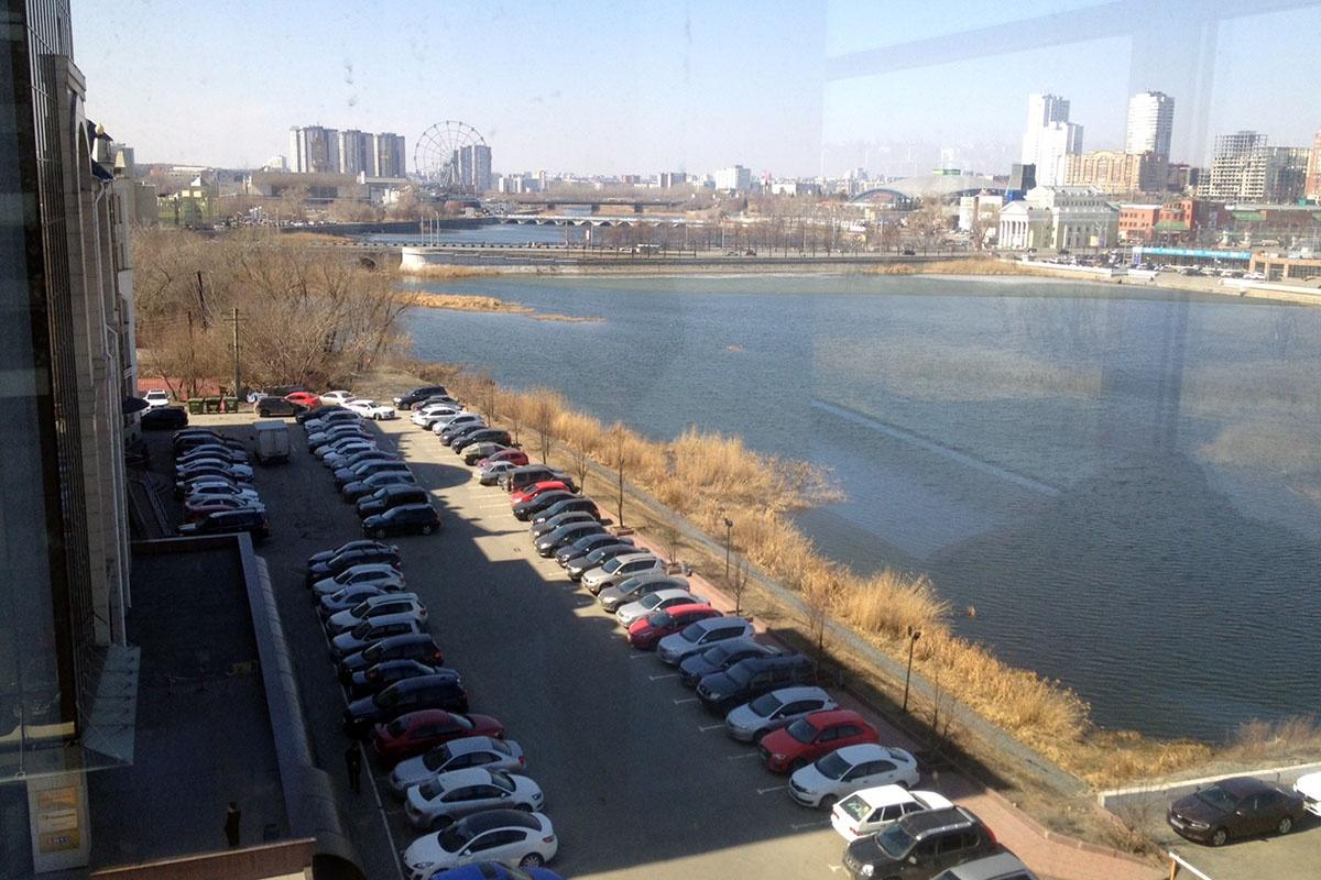 «Сквер искусств» появится недалеко от офисного центра Newton, на набережной реки Миасс