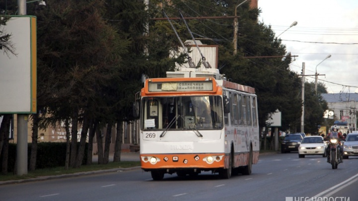 На Маркса отменили два троллейбусных маршрута