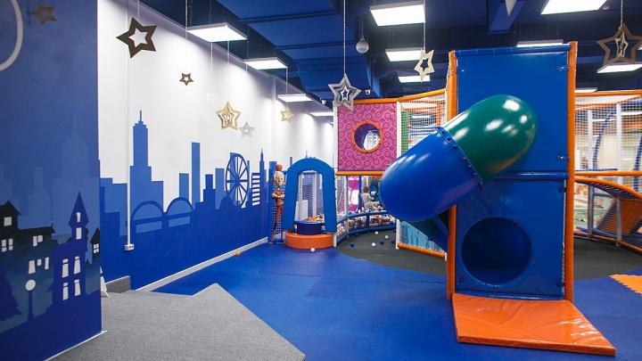 Прокуратура требует убрать детскую игровую зону с пятого этажа ТРК «Новая Столица» в Перми